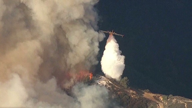 Race to contain wildfire near Los Angeles