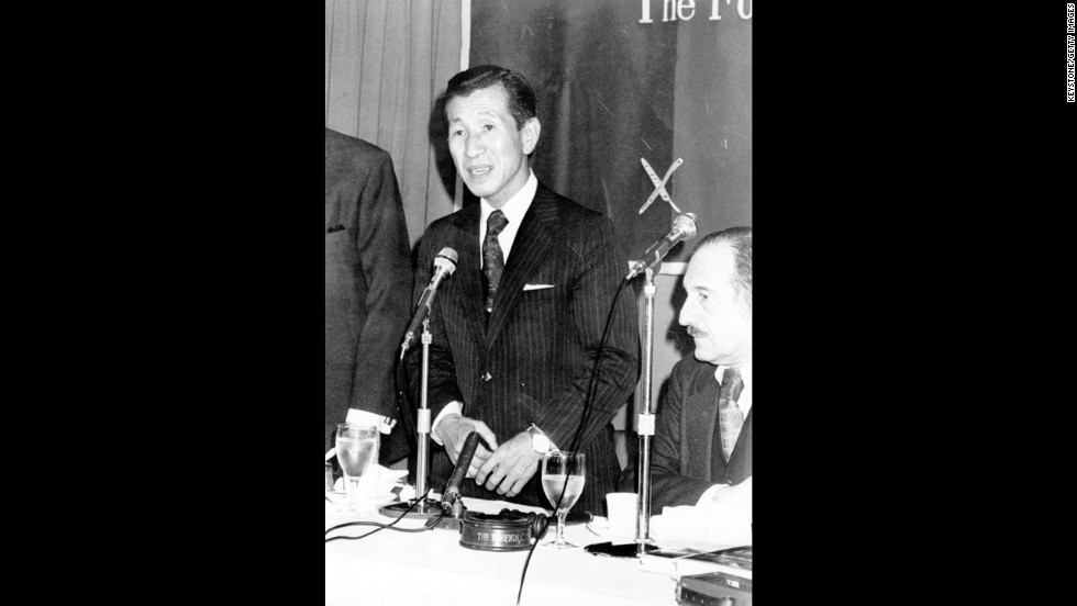Onoda returned to Japan, where he received a hero's welcome, a figure from a different era emerging into postwar modernity. Here, he visits the Press Club in Tokyo in February 1975 for a luncheon that journalists gave in his honor.