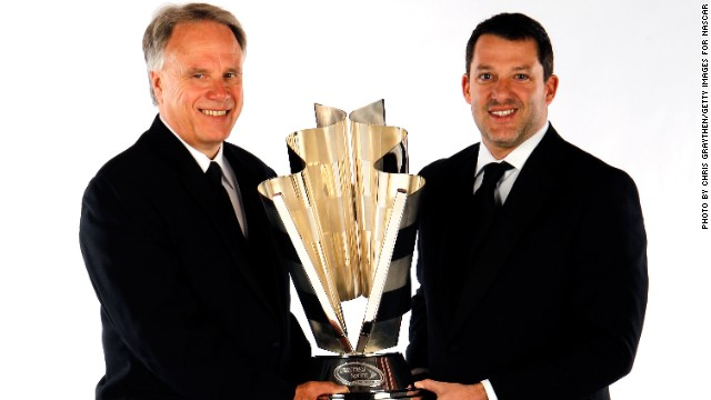 Gene Haas (left) has tasted success in NASCAR with team co-owner Tony Stewart (right) and could now turn to F1.