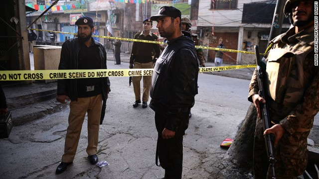 Taliban bombing kills 13 in Pakistan