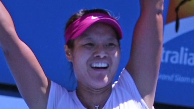 Li Na reaches third Aus Open final