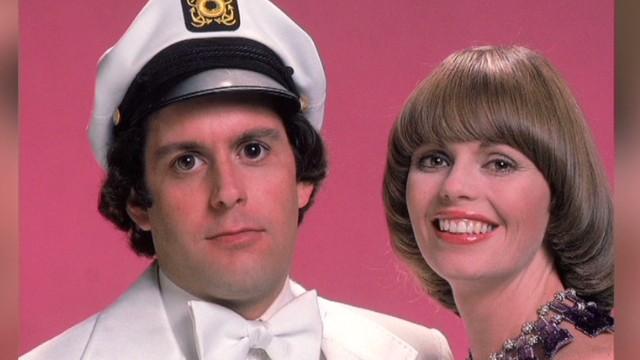 Captain & Tennille file for divorce