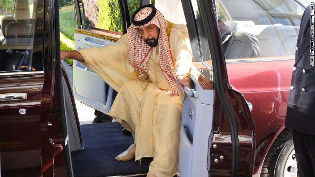 Sheikh Khalifa bin Zayed Al Nahayan arriving at Clarence House, London in May 2013 to visit the Prince of Wales.
