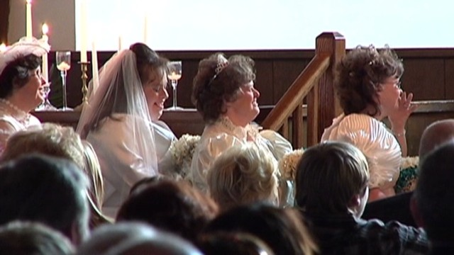 Bride creates dream wedding for others