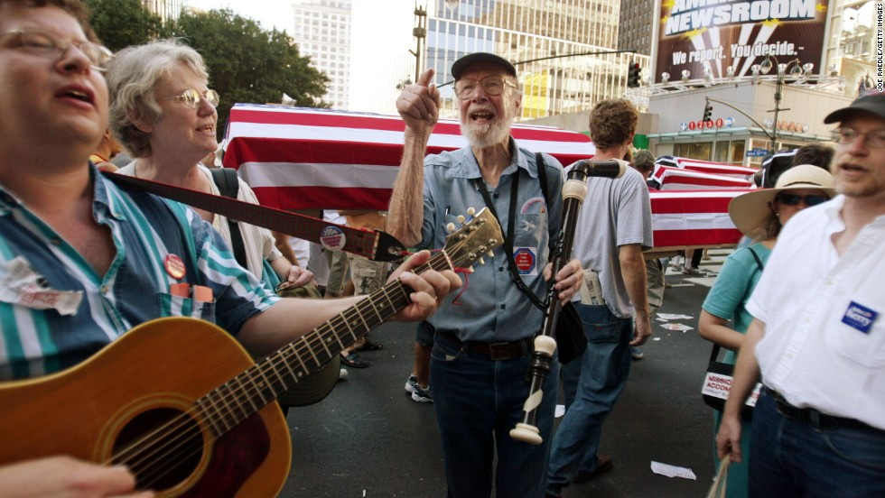 Seeger participates in a protest march in New York City on the eve of the 2004 Republican National Convention.