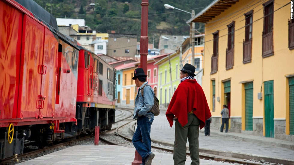 Along the route the town of Alausi is predominately inhabited by Quechua indigenous people.