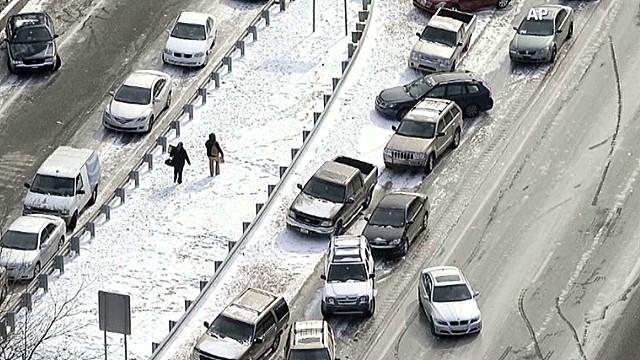 ac holmes cars stranded_00005004.jpg