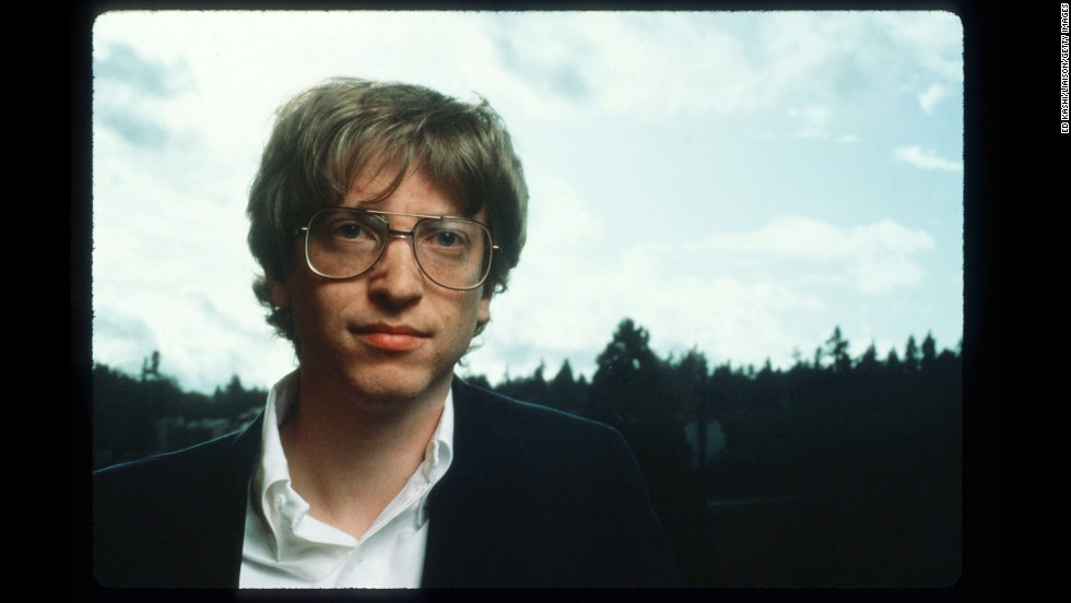 Gates, seen in Redmond, Washington, in 1986, created Microsoft, which is currently the worldwide leader in software, services and Internet technologies for personal and business computing, with over 39,000 employees in 60 countries.
