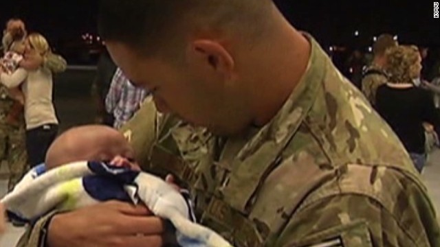 Airman returns, sees son for first time