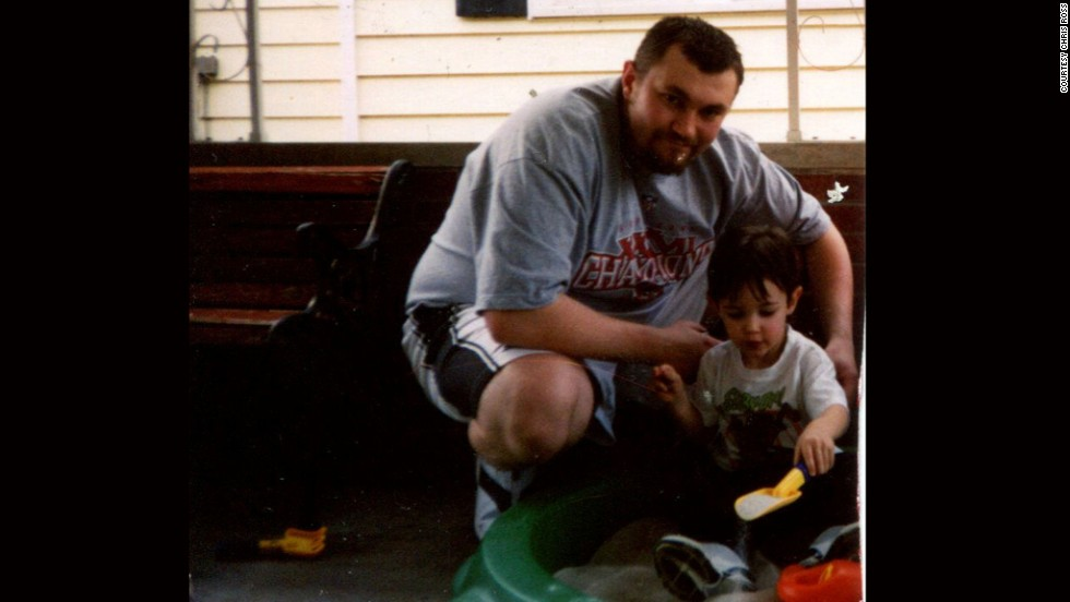"""The father of three found another scale that told him he had reached 327 pounds. """"To realize that you're not just obese, but morbidly obese -- it was pretty tough on the mental psyche,"""" Ross says."""