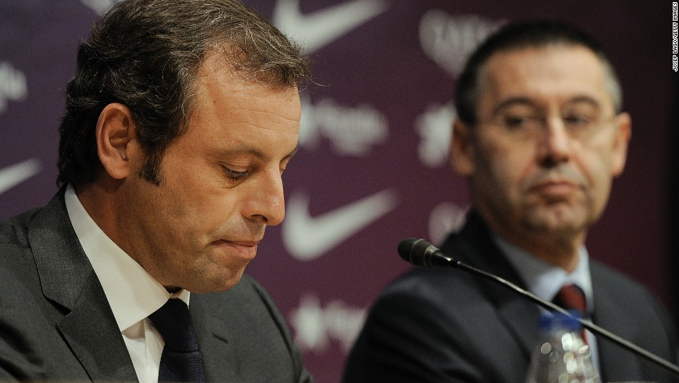 Sandro Rosell quit as Barcelona president a day after a Spanish judge ordered an inquiry into Neymar's transfer, with former vice president Josep Maria Bartomeu moving into the hot seat.