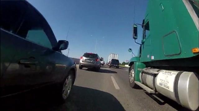 pkg reckless motorcycle driver_00001126.jpg