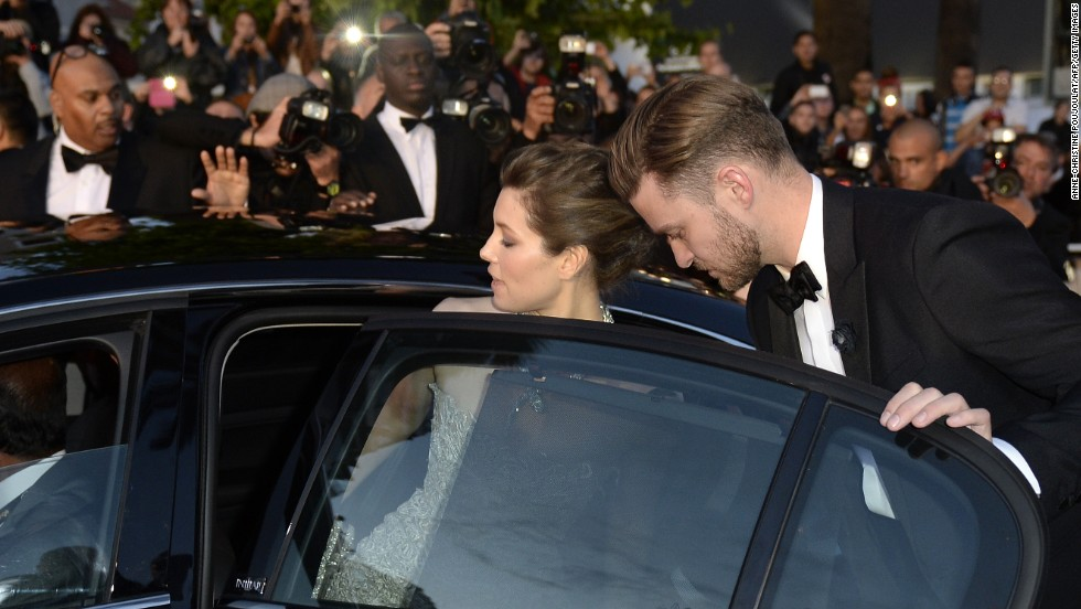 """<a href=""""http://www.gossipcop.com/justin-timberlake-thanks-jessica-biel-peoples-choice-awards-video-acceptance-speech/"""" target=""""_blank"""">Justin Timberlake on the importance of details</a>: """"My beautiful wife (taught me) patience and the little things, like just putting the dishes in the dishwasher. It goes a long way. Fellas, you're welcome."""""""