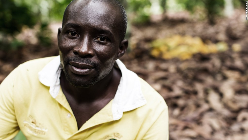 François Ekra owns a seven-hectare plantation in the Ivory Coast; he is also the leader of the local farmers' co-operative in his village, Gagnoa.