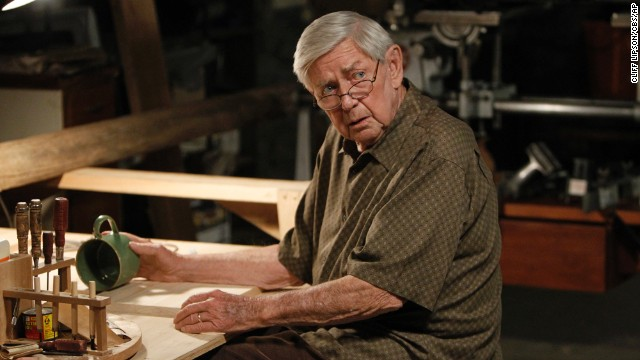'Waltons' actor Ralph Waite dies at 85