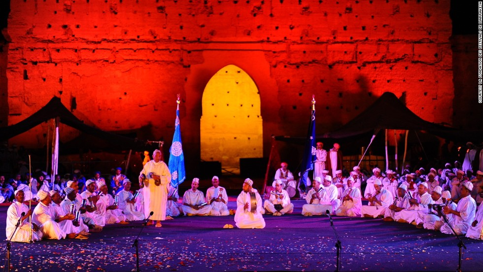 Every year, The Marrakesh Popular Arts Festival features singers, dancers, theater troupes, fortune tellers, fire-swallowers, and snake charmers from all over Morocco and abroad.