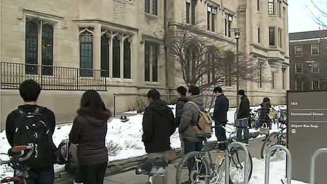 dnt student found dead in dorm university of chicago_00000118.jpg