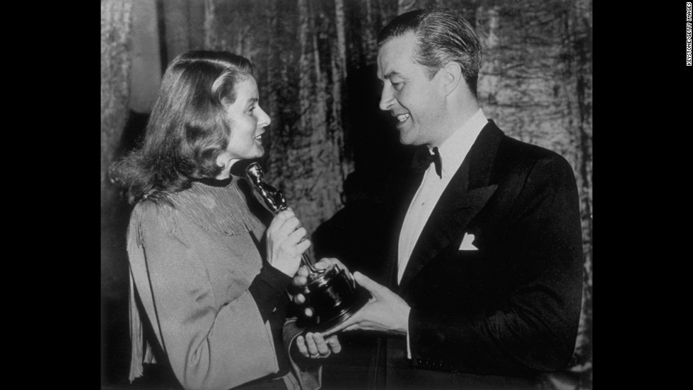 "Ray Milland had a prolific career for decades -- including a standout role in Alfred Hitchcock's ""Dial M for Murder"" -- but he received only one Oscar nomination. Luckily, he made it count, winning the best actor prize for his role as an alcoholic writer in ""The Lost Weekend."" Ingrid Bergman presents Milland with the prize at the 1946 ceremony."