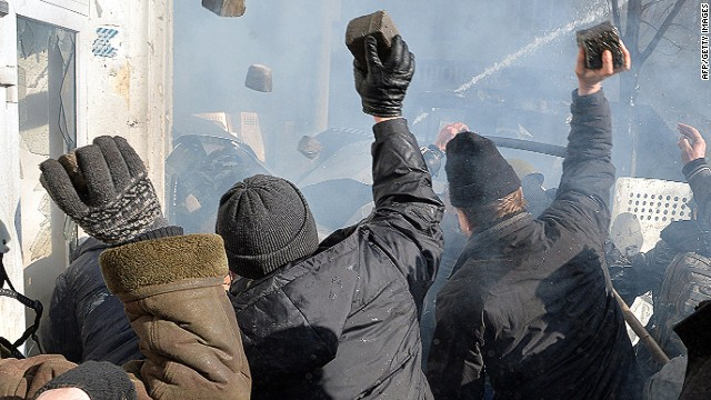 Report: 9 killed in Ukraine protests