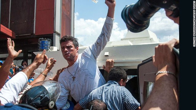 CNN cams taken at gunpoint in Venezuela
