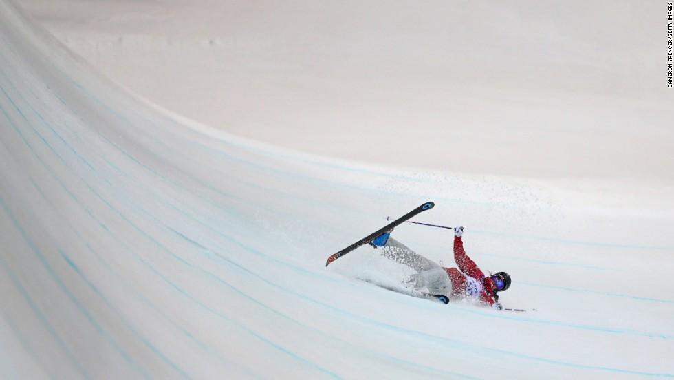 Rosalind Groenewoud of Canada crashes in the women's halfpipe.