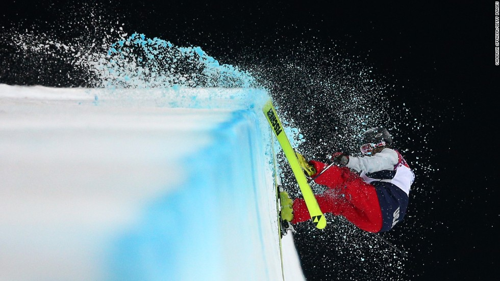 American freestyle skier Annalisa Drew crashes in the women's halfpipe on February 20.