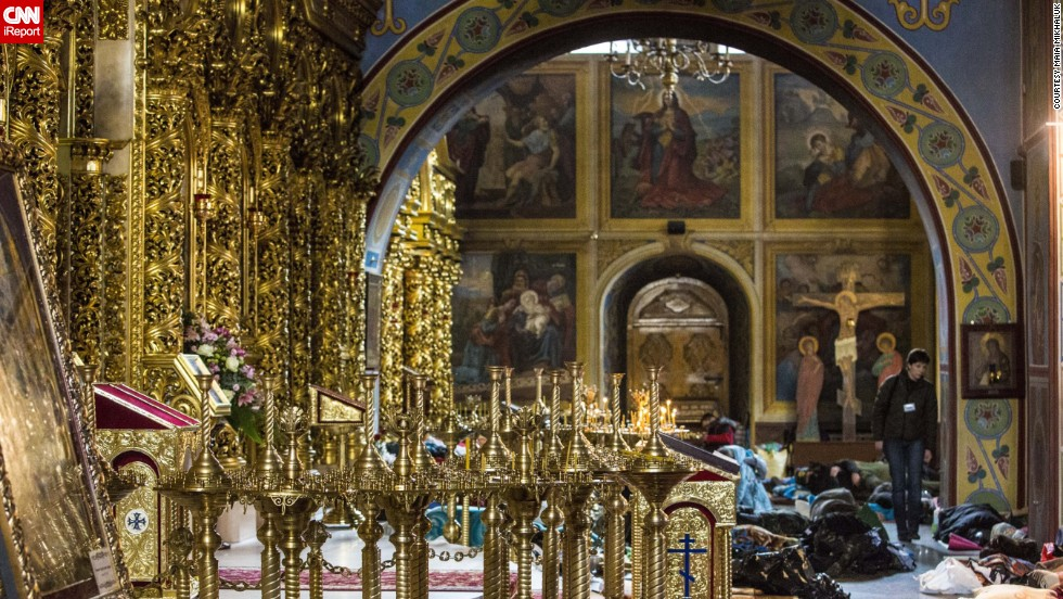 Protesters were given shelter and medical assistance at the Mykhailovsky Cathedral in Kiev. The cathedral opened its doors for protesters wounded during the clashes with riot police Wednesday and Thursday.