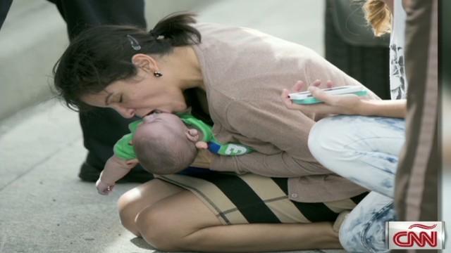 cnnee soler miami baby saved in expressway_00000214.jpg