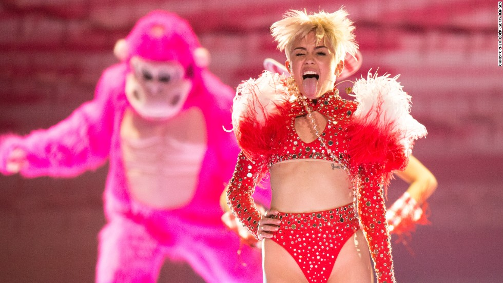 "Miley Cyrus gets her ""Bangerz"" tour stop in Anaheim, California, off to a tongue-wagging start on February 20."