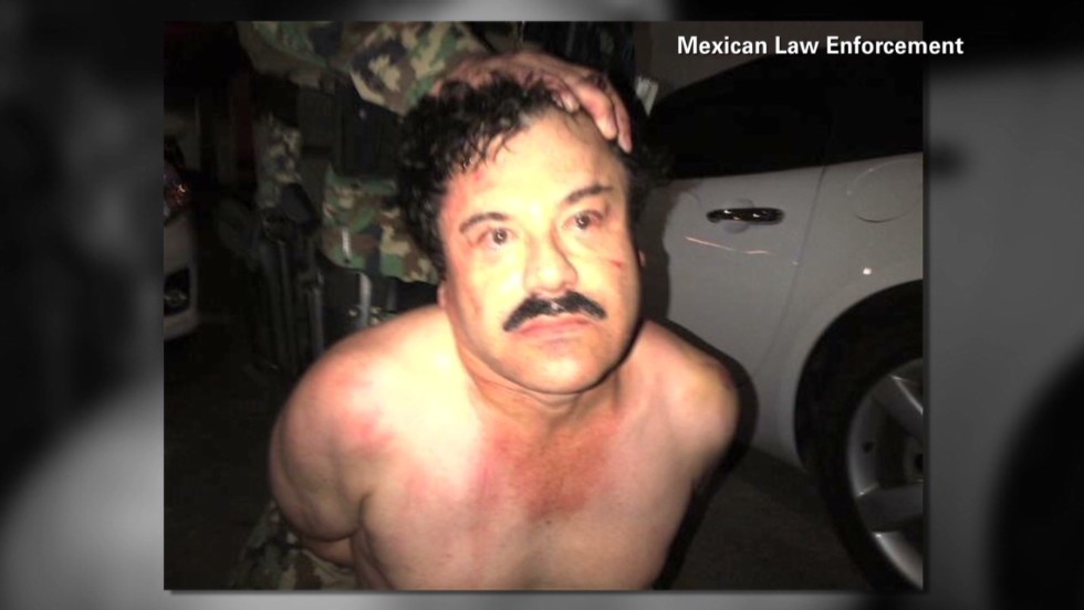 Imagen del capo del cartel de Sinaloa al momento de su captura en un hotel de Mazatlán, en México.