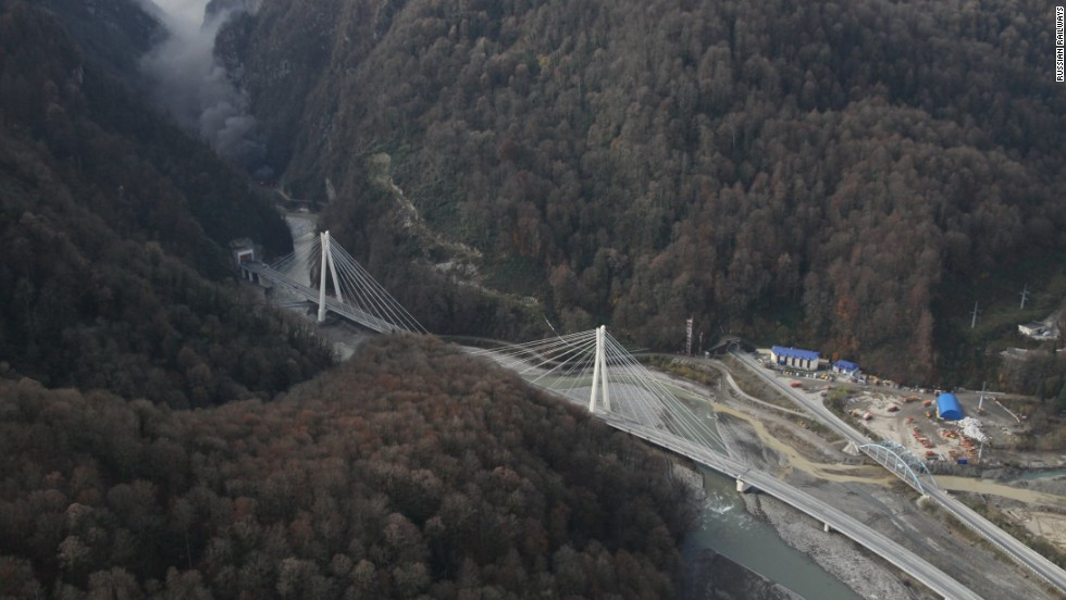 By working with consultants from Italy, Spain and Switzerland a 37 km flyover has been constructed, across all impediments, to deliver travelers from one end to the other in around 30 minutes when free of traffic .<br />