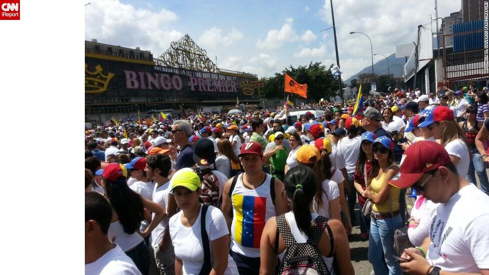 En Caracas los opositores respondieron a la convocatoria de Henrique Capriles, llenando varias avenidas del sector Este, para exigir el desarme de grupos paramilitares y protestar por el deterioro económico.
