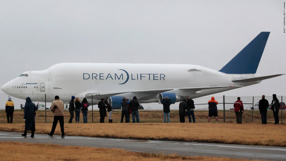 "In 2013, <a href=""http://www.cnn.com/2013/11/21/travel/kansas-cargo-plane-wrong-airport/"" target=""_blank"">a Dreamlifter carrying a 787 fuselage landed without incident</a> at the wrong airport in Wichita, Kansas, on a runway a half mile shorter than it usually uses. Despite the shorter runway, the Dreamlifter was able to resume its journey the following day."