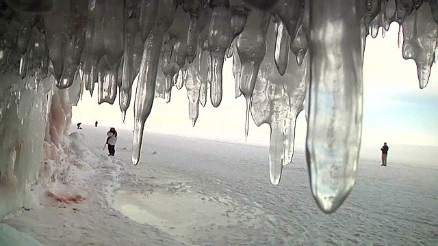 Lake Superior's ice caves draw thousands