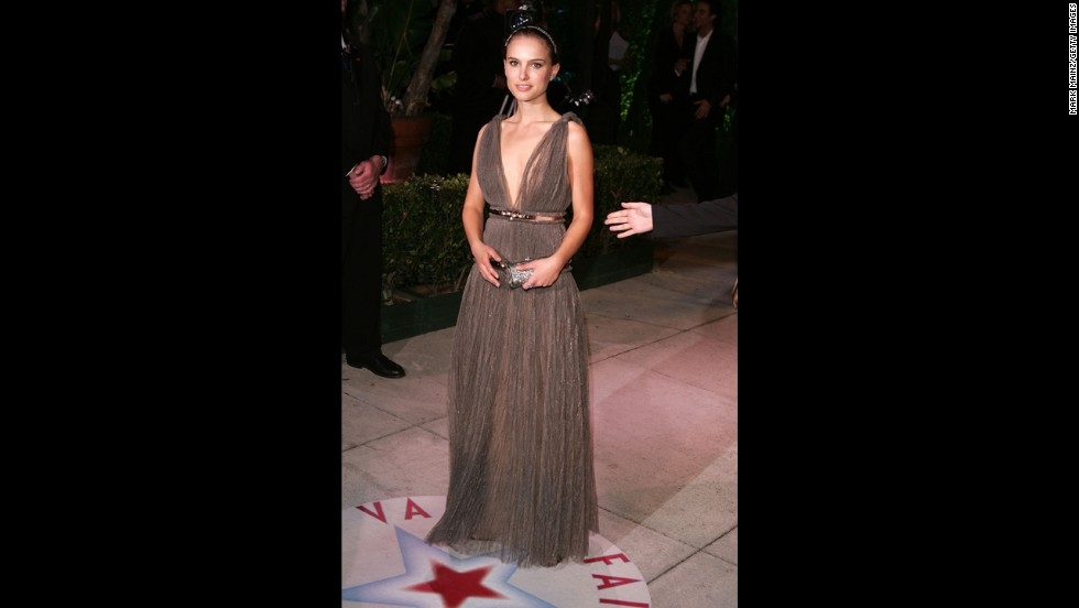 Natalie Portman didn't land the Oscar for best supporting actress at the 2005 ceremony, but that didn't stop her from looking like a winner in a Grecian-inspired sparkling Lanvin gown.