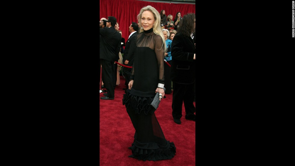 Faye Dunaway's 2007 Oscars dress was so out there -- crazy tailoring, oddly placed ruffles reminiscent of a clown's collar -- that we're going to applaud her for even having the guts to wear it.
