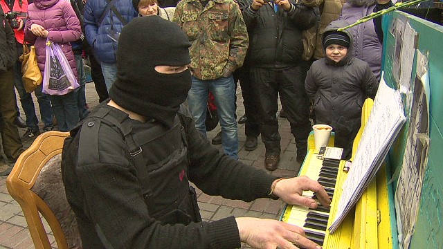 Ukraine's piano man