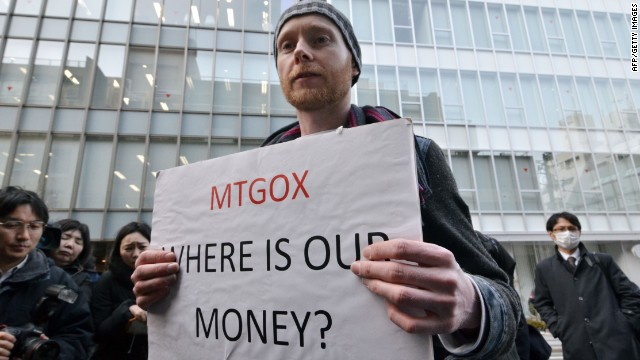 Bitcoin trader Kolin Burges from London protests against Tokyo-based bitcoin changer MtGox in front of the company's office in Tokyo on February 26, 2014.
