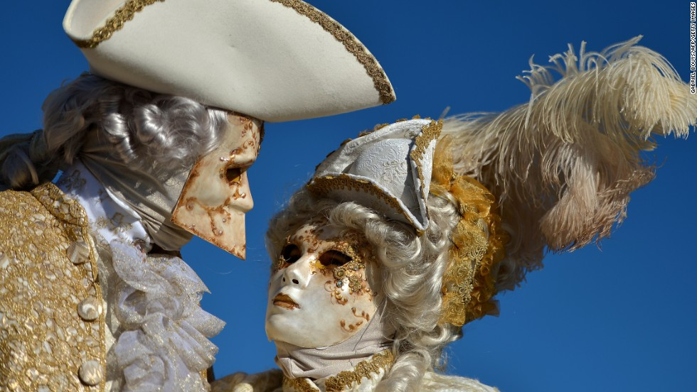 In the 18th century Venetian men wore the <em>bauta</em>, pictured at left, to political meetings so that they could express their will anonymously. This style of mask has a protruding chin that allows its wearer to eat and drink without removing his headgear.