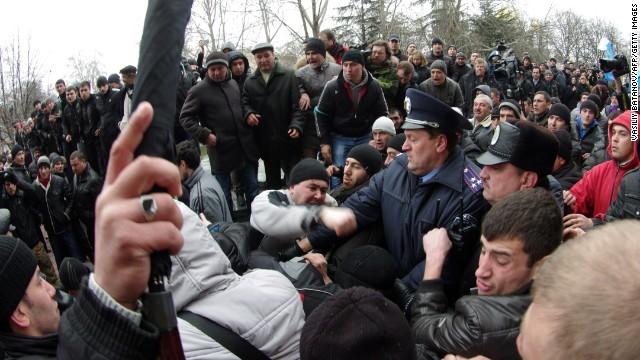 Gunmen seize Crimean parliament