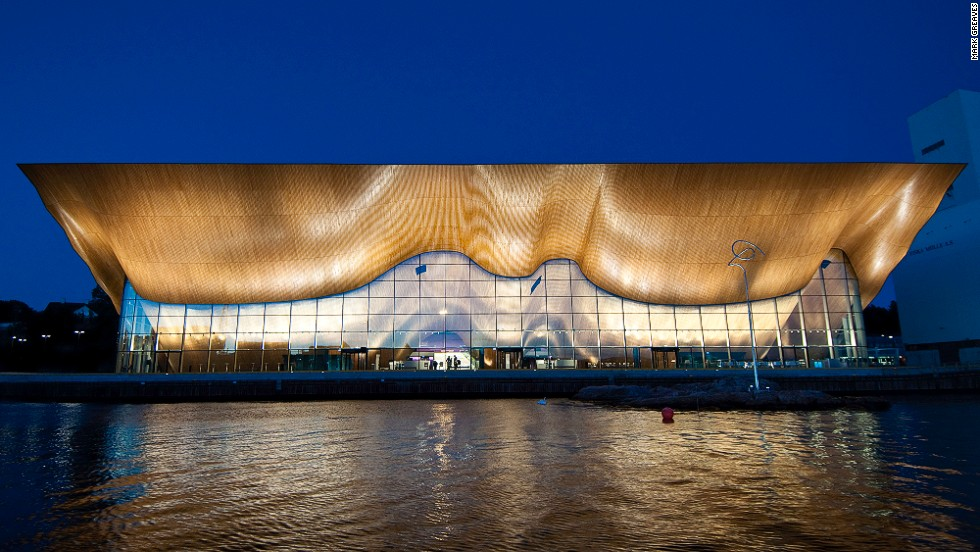 The building houses three organizations: Opera South, the Agder Theater and the Kristiansand Philharmonic.It contains four performance halls, the largest with 1,200 seats. <strong>Architects: </strong>ALA Architects Ltd., SMS Arkitekter AS.