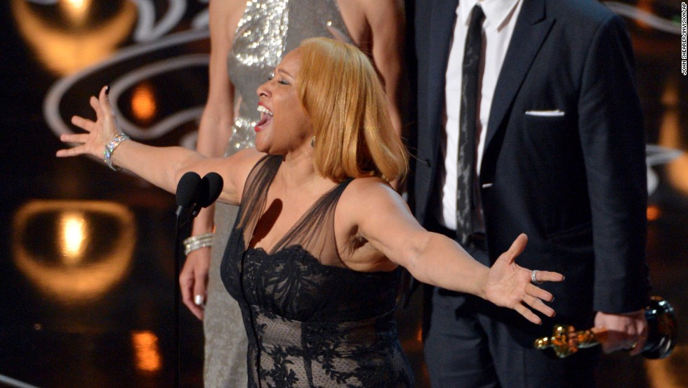 "Darlene Love sings while accepting the award for best documentary feature (""20 Feet from Stardom"")."