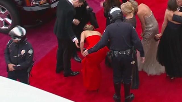 Jennifer Lawrence falls again
