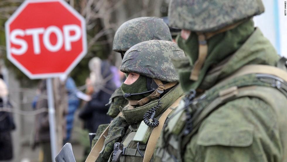 Las fuerzas rusas ya controlan la península de Crimea en Ucrania, dice Estados Unidos.