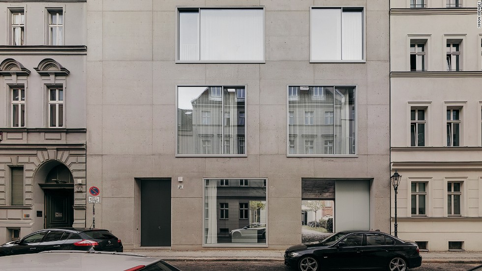 "<a href=""http://www.davidchipperfield.co.uk/"" target=""_blank""><em>David Chipperfield<em></a></em>, Berlin</em><br /><br />English architect David Chipperfield oversaw the reconstruction of Berlin's Neues Museum, a €300 million project that took more than a decade to see through. It was during this period that he decided to build his home and his studio in the city. ""It's a wonderful bubble of concrete with just some Italian furniture of the 1950s and 1960s,"" Molteni says."