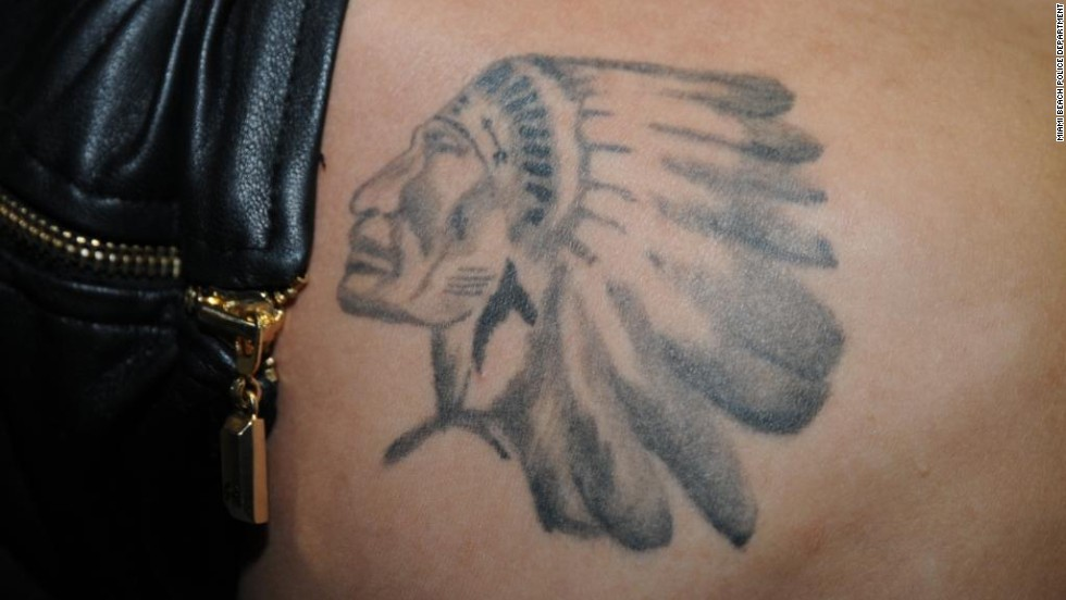 "<a href=""http://hollywoodlife.com/2013/01/06/justin-bieber-indian-head-tattoo-pic/"" target=""_blank"">Bieber reportedly tweeted ""This is for u Grampa</a>"" when he unveiled this tattoo of a Native American in head dress in January 2013. It is believed to be the logo of a Canadian junior ice hockey team whose games the singer's grandfather would take him to."