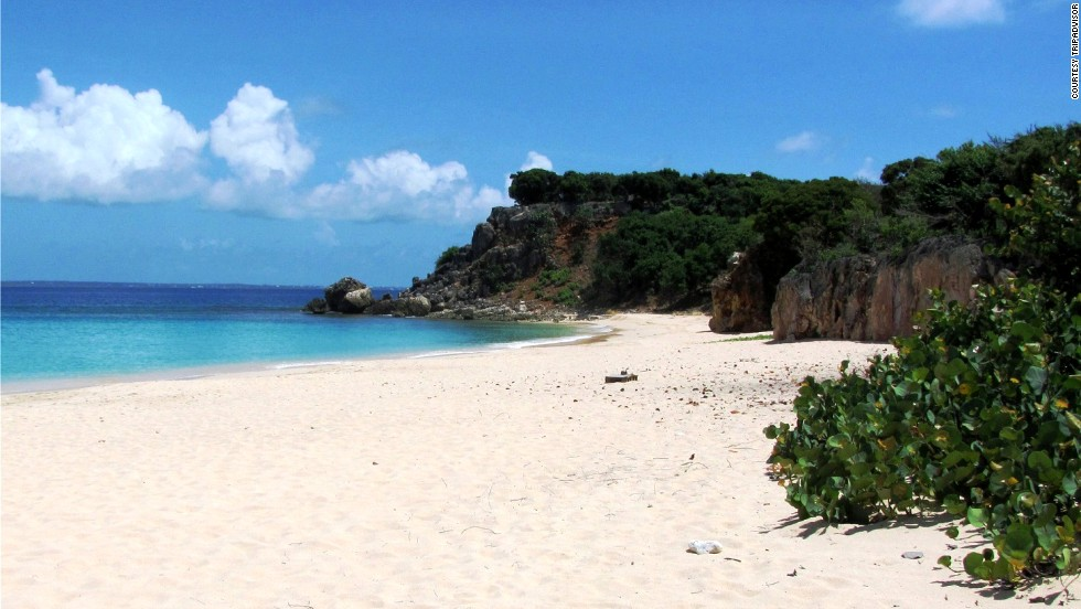 On the Dutch/French island of Sint Maarten/Saint-Martin, the getaway would run about $5,566.