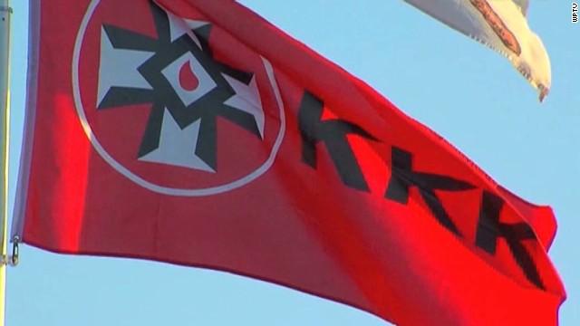 pkg florida man flies kkk flag_00001421.jpg