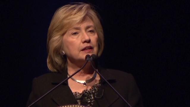 Clinton clarifies Putin-Hitler comments