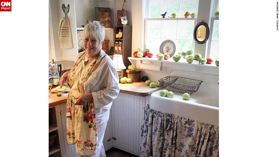 """Fried Green Tomatoes"" -- Idgie Threadgoode is portrayed as an older woman at work in her kitchen. Shirley Watson's kitchen was used for the setting and Watson portrayed Idgie."